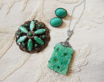Vintage Peking Glass - Jade Green Poured Glass Trio of Pendant Brooch and Clip Earrings - 1930s to 1950s - Jewellery Set