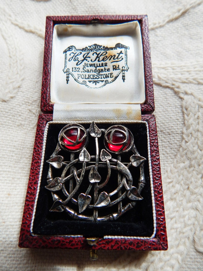 New Silver Tone Enamel Mackintosh Style Rose Flower Pendant Necklace in Gift Box