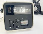 Vintage flip clock, folding number alarm clock folding number clock, ELAC RD 100, white, 70s space age design