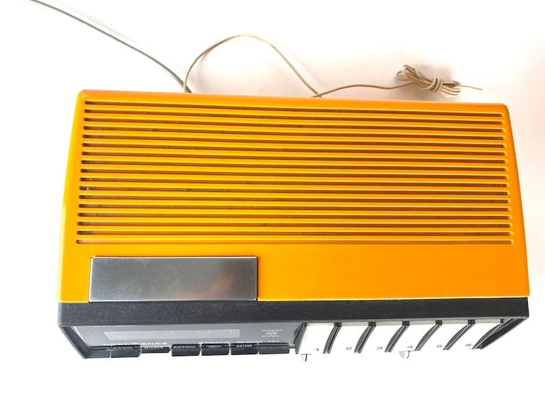 Vintage radio réveil orange des années 1970 de Nordmende, testé! Horloge Strato 171