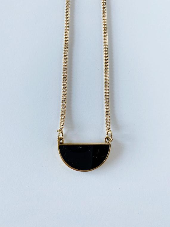 Black Pendant Chain Necklace