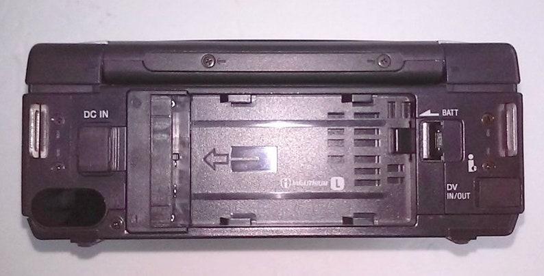 Mint Condition Sony Video Walkman GV-D800 NTSC Digital 8 PlayerRecorder