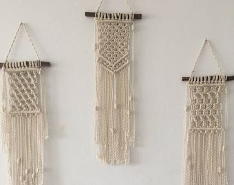 Small macrame wall hanging / Modern macrame / Wall hanging decor / Wall hanging small / Macrame decor