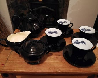 Batty tea set for 4