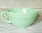 Fire King Jadeite Green Glass Mixing Band Batter Bowl w Spout And Handle, Vintage, Mid Century, Kitchen