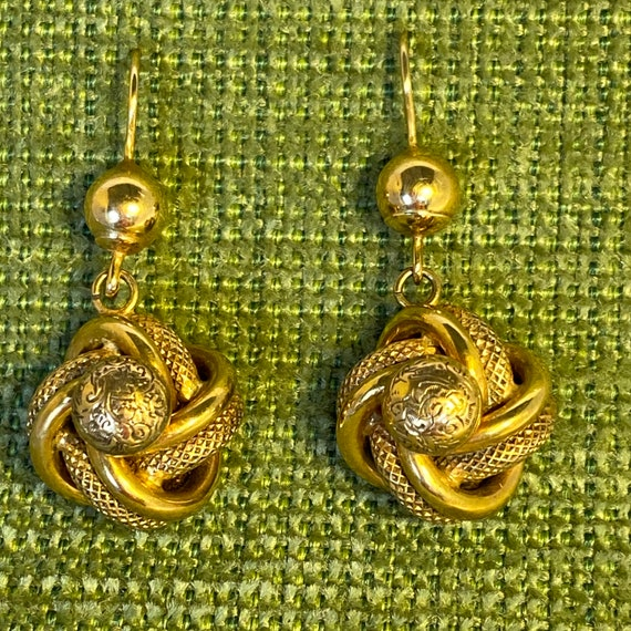 Antique Gold Knot Dangling Earring