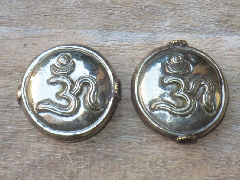 Double Sided Ethnic Nepal 32mm Tibetan Silver Om Symbol Round Bead Namaste Yoga