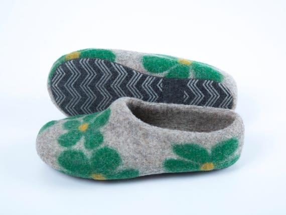 felt slippers slippers felted girl wool green junior Wool slippers clogs Felted felt felt slippers slippers natural slippers clogs xYFwqC8
