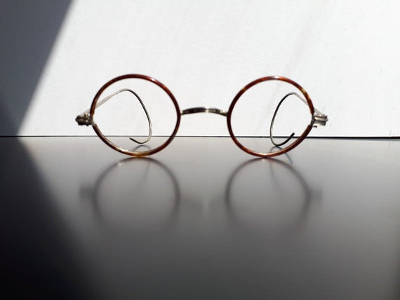 Vintage windsor round tortoise and metal eyeglasse
