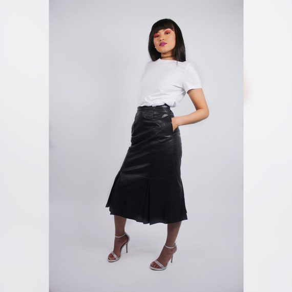 Minimalist High Waisted Leather Ruffled Skirt - image 1