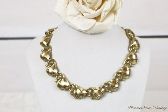 Vintage LISNER gold finish Collar Necklace