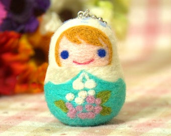 """4"""" Russian Doll Needle Felting Kits for Beginners with Chain for Phone, Backpack"""
