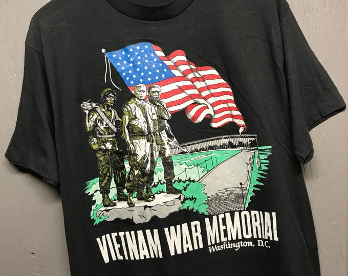 M thin vtg 80s/90s Vietnam War Memorial t shirt