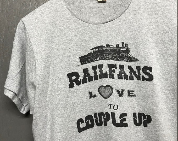 M vtg 80s Train railfans love to couple up screen stars t shirt