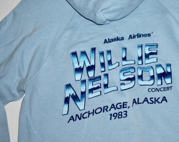 XS/S * vtg 80s 1982 Willie Nelson crew hoodie sweatshirt Anchorage Alaska * concert tour shirt * 107.13