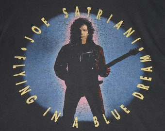 L * thin vtg 1990 Joe Satriani flying in a blue dream t shirt * 107.8