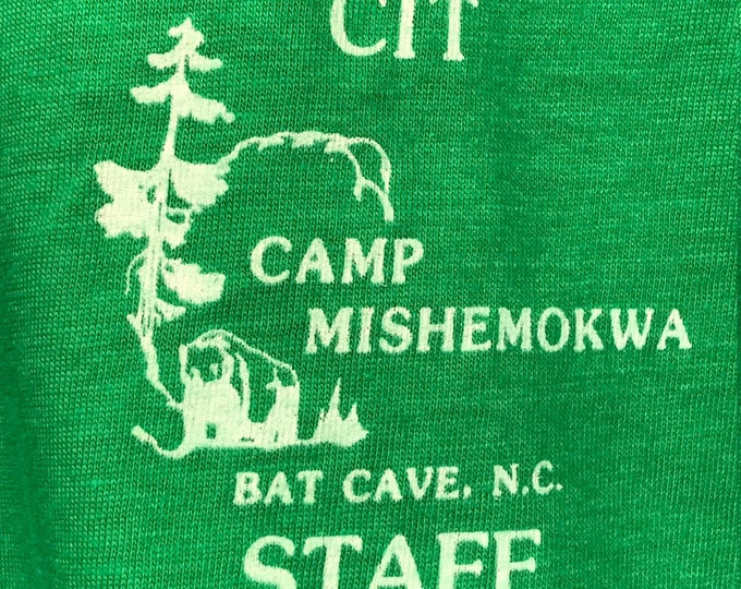 M nos thin vtg 80s Bat Cave NC camp mishemokwa screen stars t shirt