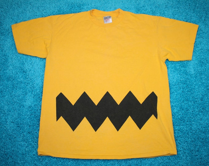 XL * vtg 90s Charlie Brown pattern t shirt * skateboard * 34.162