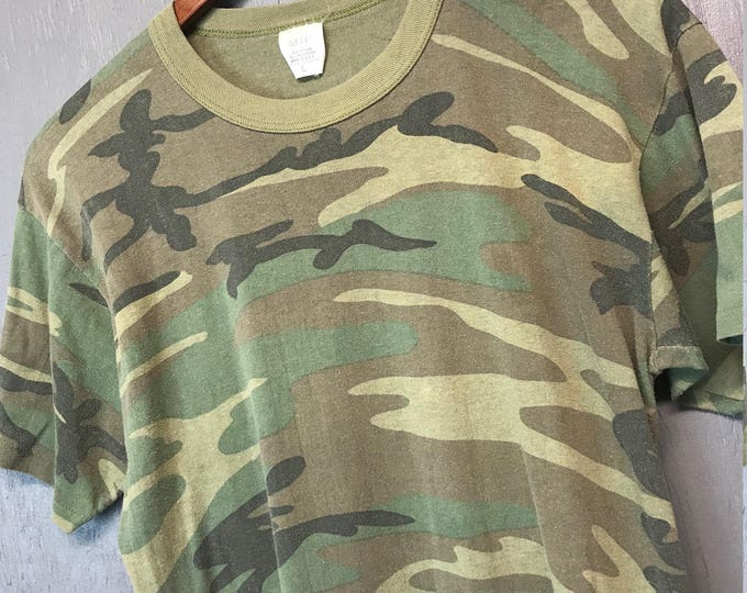 M thin vintage 80s faded camp t shirt * camouflage