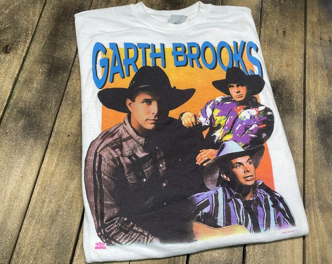 L * vintage 90s 1991 Garth Brooks t shirt * ropin the wind country music concert tour rap tee * 70.161