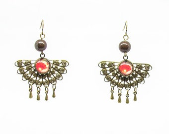 Drop earring fan drops, dark brown seeds and red flower cabochons