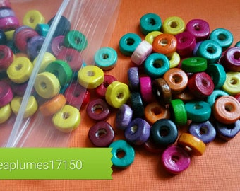 Set of 200 multicolored wooden beads, 6x3mm
