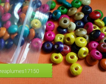 Set of 200 multicolored wooden beads, 8x4mm