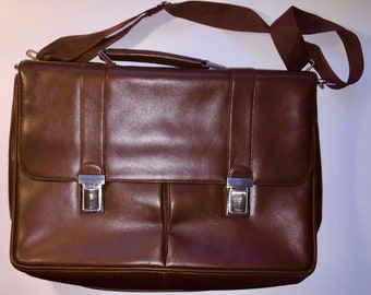Fine soft Leather Messenger Bag / Briefcase From Marshall Field's - Never Used