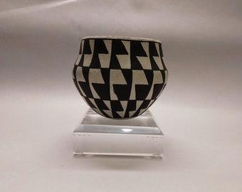 Fabulous Jessie Garcia Acoma Pueblo Pottery pot