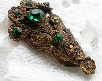 Vintage Art Deco Emeral Green Glass Rhinestone Scarf Clip Clasp - 1930 - Any Occasion - Great Vintage Find!