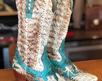 Vintage genuine snakeskin cowboy western boots