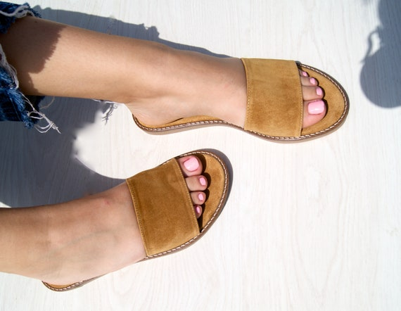 Syllene sandalshandmade women leather sandalswomen suede flatssuede slippersdeep honey color sandals.