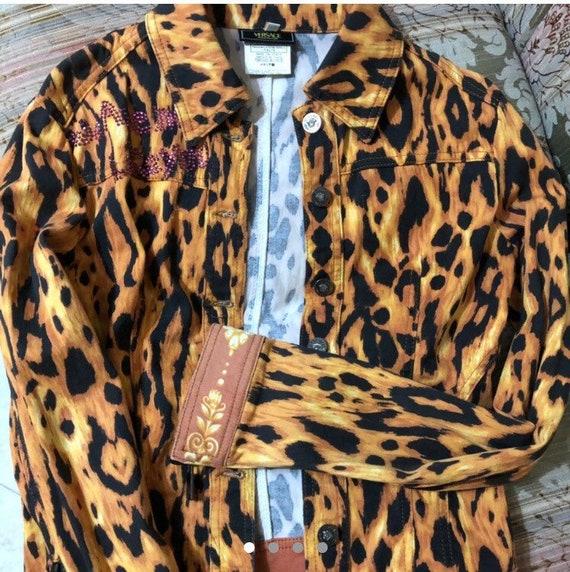 74adf3c5ea3a Vente • VERSACE veste par Gianni Versace Jeans Couture veste medusa boutons  versace boutons extrêmement rare vintage gianni versace veste