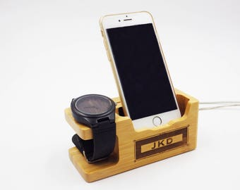 personalized gifts for him,5th anniversary gift,gift for him,mens gift ideas,wood docking station,gifts for boyfriend,graduation gift