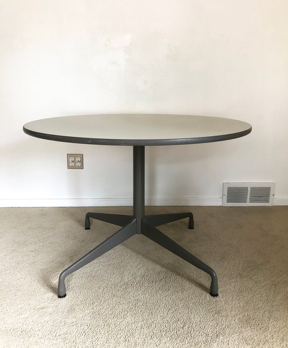 Mid Century Herman Miller Eames Aluminum Group Round Dining Table