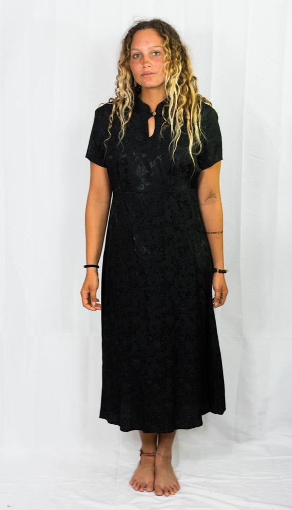 90s KIMONO KEYHOLE DRESS