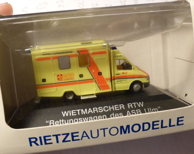 Wietmarscher Mercedes Benz Sprinter RTW Ambulance Rettungswagen des ASB Ulm Rietze 61552 1:87 H0