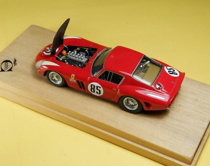 Ferrari 250 GTO 3987GT Tourist Trophy Nassau 1962 #85 Roger Penske REMEMBER Models with engine 1:43 - Factory built
