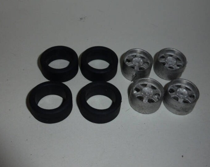 Set of 4high quality multispoke white metal wheels + slick tires for Mini Cooper, Abarth etc. 1:24