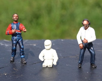 set of 1 racing driver, 1 stopper and 1 team manager 1:43 scale to assemble and paint Le Mans Miniatures FTJ964310