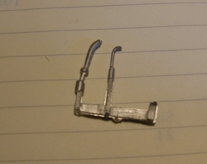pack of 2 white metal levers different shapes AMR original spare parts 1:43 [AMR-HB02]