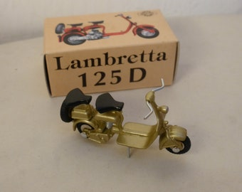 Lambretta 125D light metallic gold - Scottoy limited edition model 1:43 - Brand new in box