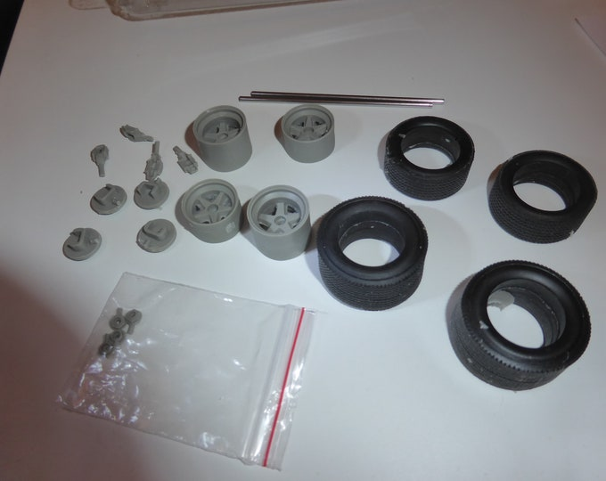 1:24 5-spokes wheels, disc brakes and tires for Porsche 908 and other racing cars Le Mans Miniatures ACW124020