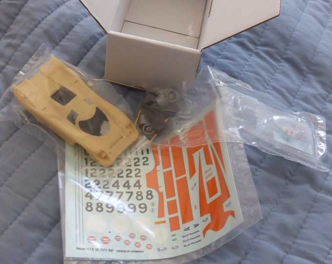 Porsche 917 K Gulf Wyer 1971 (with multiple option decals sheet) REMEMBER kit 1:43