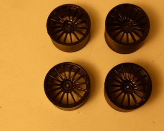 Set of 1:18 15-spokes wheels for racing and sport cars high definition (black)