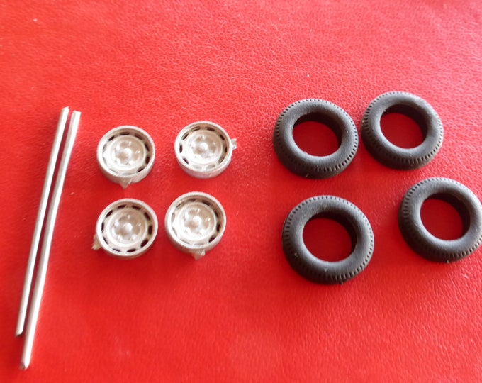 white metal Fergat 10-holes wheels set for Fiat, Alfa Romeo and other road cars of the 50/60s Carrara Models 44