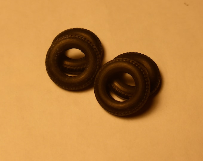 Set of 4 treaded tires for cars of the 50/60/70s 1:43 mm 3.8/15.0/7.8 (see description text) Tin Wizard ZU0150
