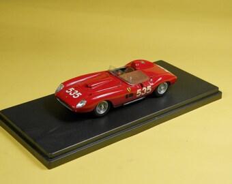 Ferrari 335S Mille Miglia 1957 winner Piero Taruffi 1:43 FDS built by Remember Models studio