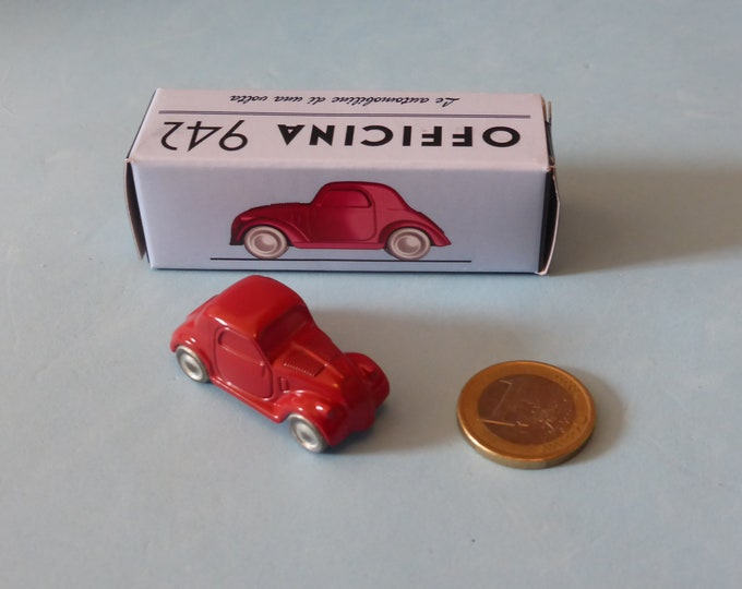Fiat 500B Topolino 1948 in red Officina942 new vintage small diecast model in 1:76 (00) scale new in box #1001A