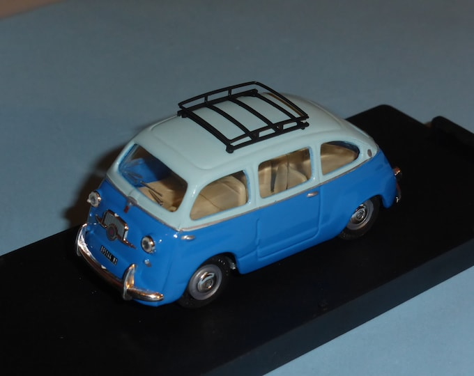 Fiat 600 Multipla light blue over mid blue / road car Giocher GR08 1:43